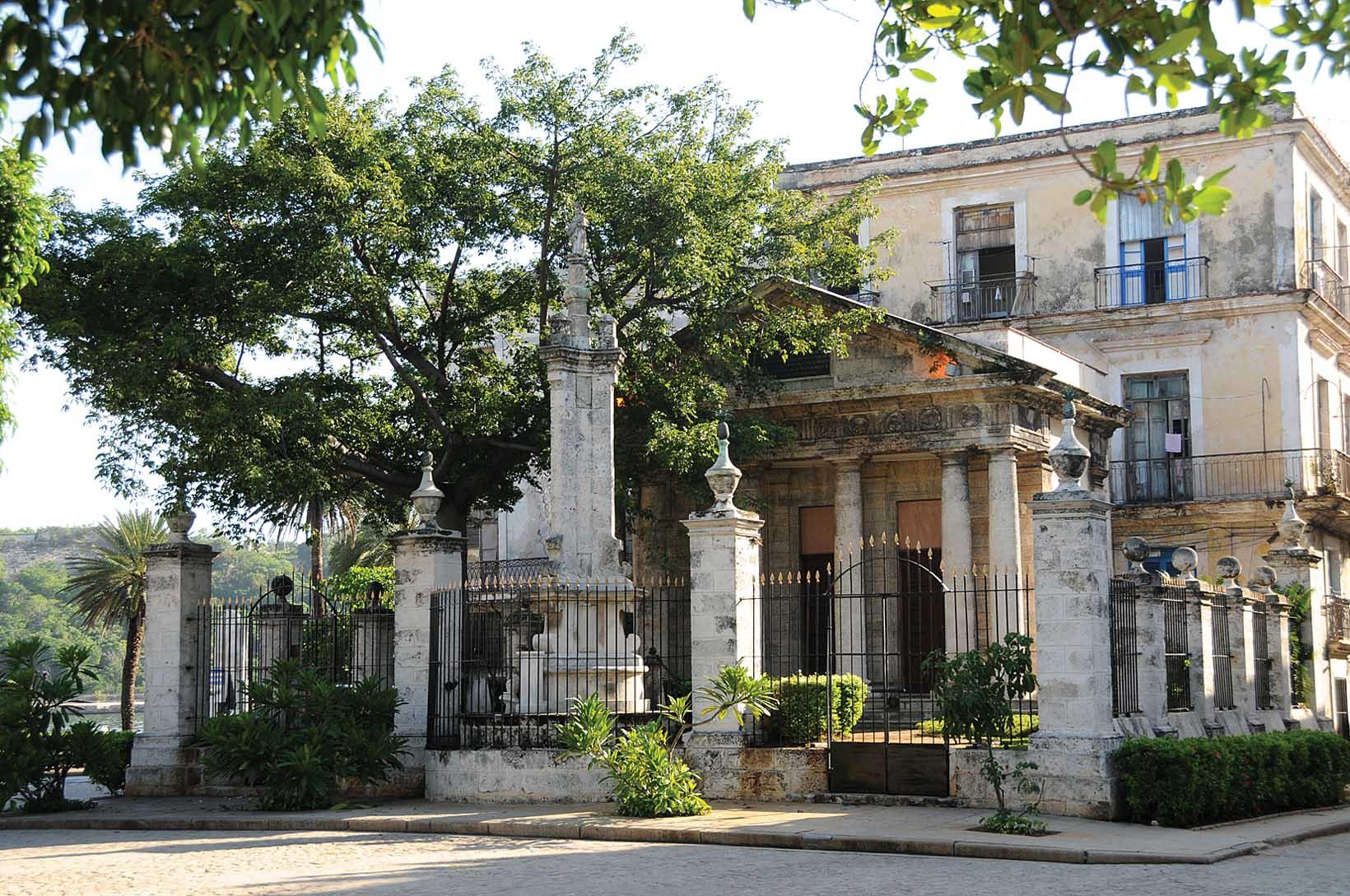 Cuba y sus tradiciones: El Templete.