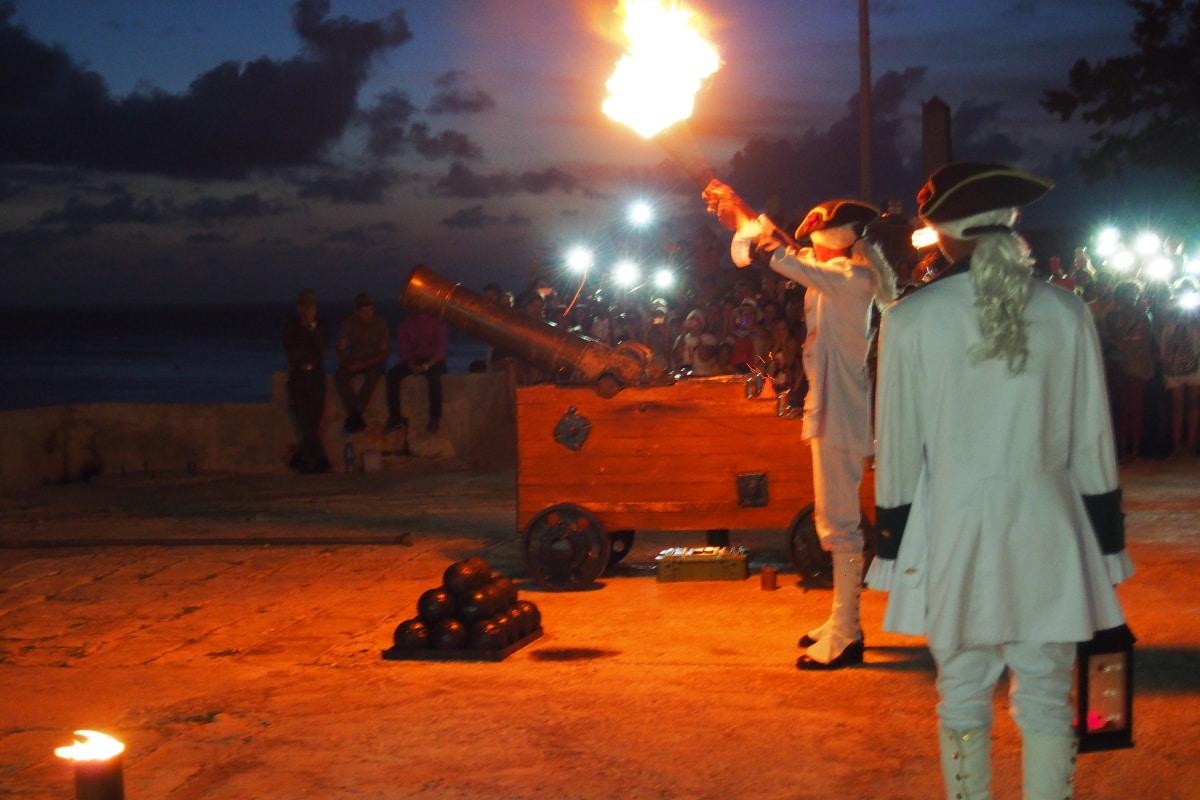 Cuba y sus tradiciones: El cañonazo de las 9.