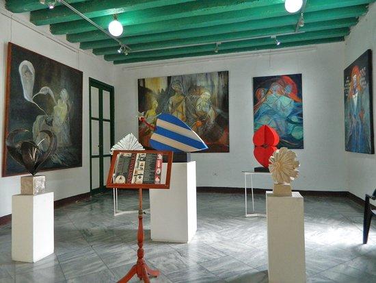 Galería Carmen Montilla, un lugar para disfrutar del arte  en La Habana