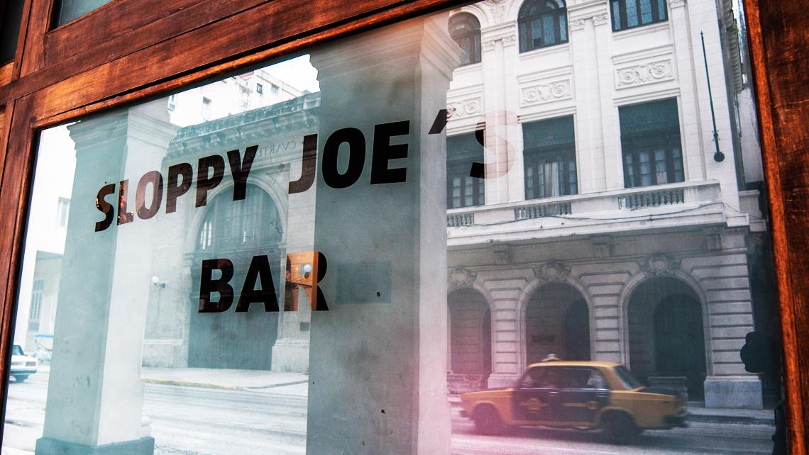 Sloppy Joe's Bar. No puedes dejar de visitarlo.
